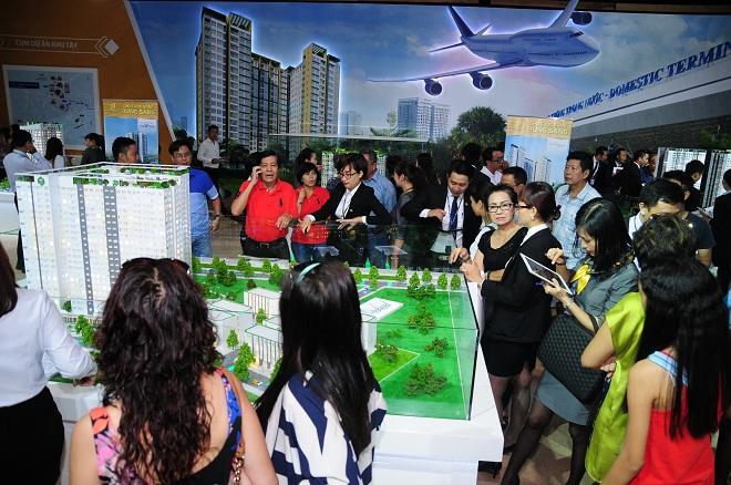 Đông đảo khách hàng đến tham quan, tìm hiểu dự án tại Triển lãm Novaland, ngày 12 – 13/9/2015 – TP.HCM