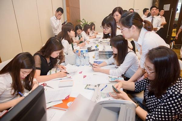 Rất nhiều khách hàng ký hợp đồng mua nhà Mon City ngay tại sự kiện mở bán