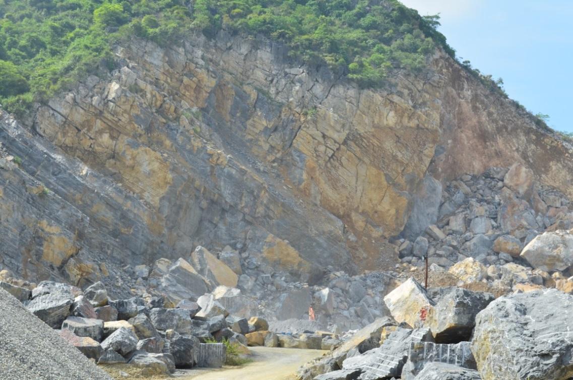 Thêm một doanh nghiệp đầu tư lớn khai thác đá xây dựng