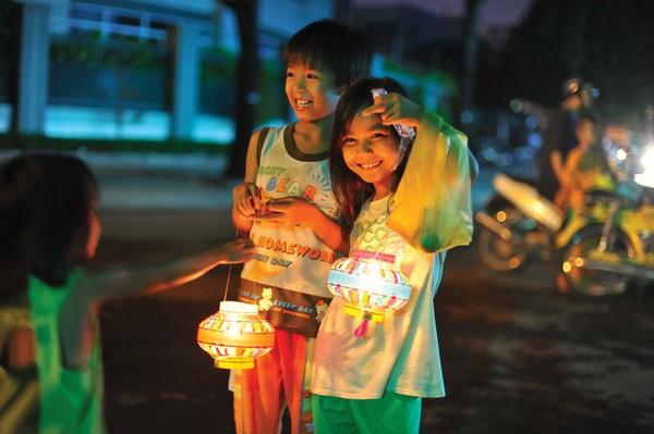 Rộn ràng lễ trung thu khắp các nước Châu Á