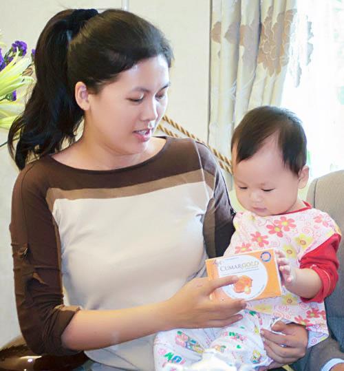 Tăng gần 20 kg khi mang bầu, bà mẹ 2 con vẫn lấy được dáng chuẩn như siêu mẫu
