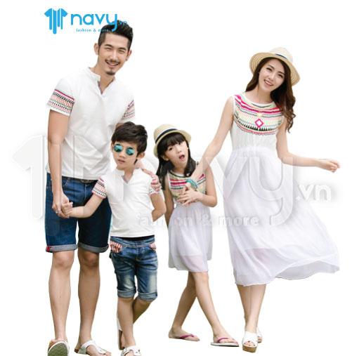 Đồng phục gia đình - những bộ trang phục gắn kết yêu thương cho mọi nhà - Ảnh 1.