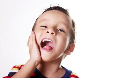 5 tác hại khôn lường nếu bé lười đánh răng mẹ Việt cần phải biết - Ảnh 1.