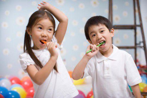 5 tác hại khôn lường nếu bé lười đánh răng mẹ Việt cần phải biết - Ảnh 7.