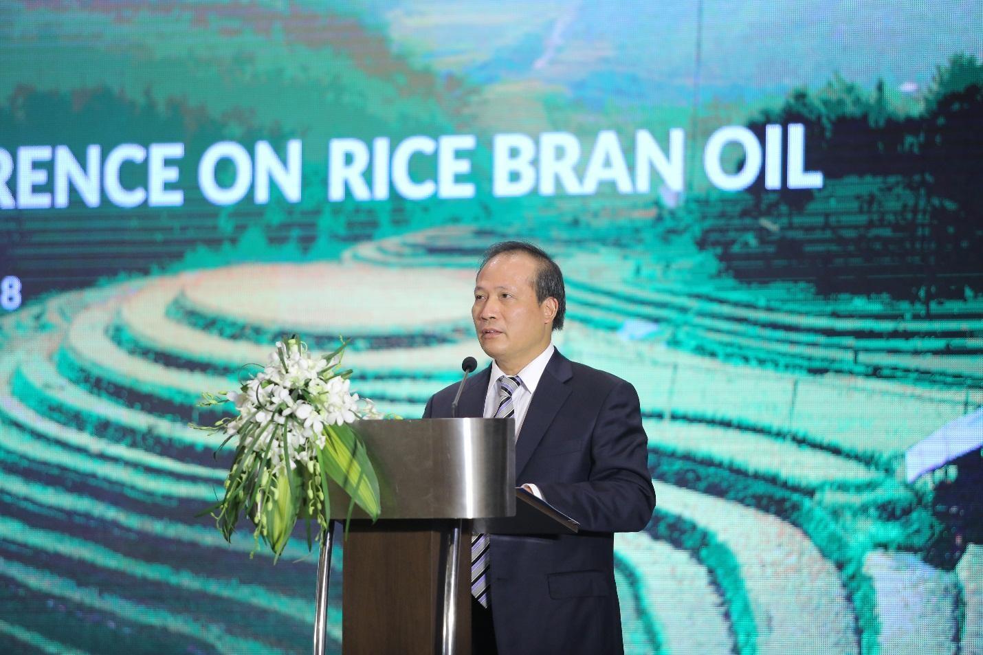 """Cơ hội và thách thức nào khi dầu gạo Việt """"bơi"""" ra biển lớn"""