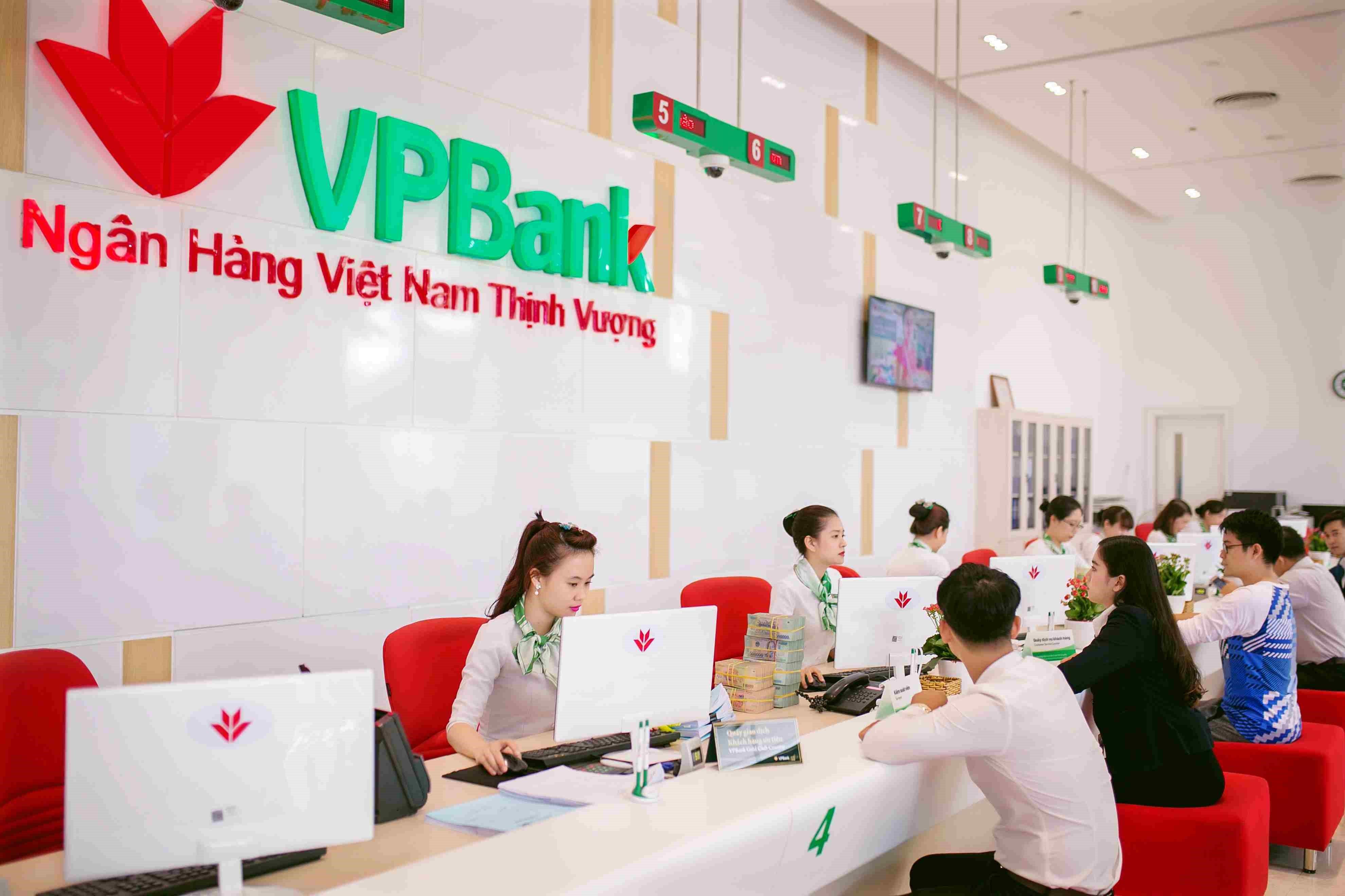 Lợi nhuận hợp nhất trước thuế 9 tháng của VPBank đạt 6.125 tỷ đồng, doanh thu đạt hơn 22.100 tỷ tăng 26% so với cùng kỳ