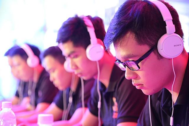 Các game thủ nên chủ động trong việc đảm bảo đường truyền Internet trong những trận đấu Online. Ảnh: Giải đấu HPL 2016