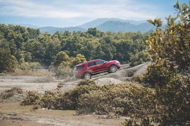Trải nghiệm khả năng Offroad của Ford Explorer - Ảnh 1.