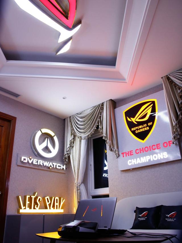 Ngoài ra cũng có logo một số game ưa thích của Lộc như OverWatch.
