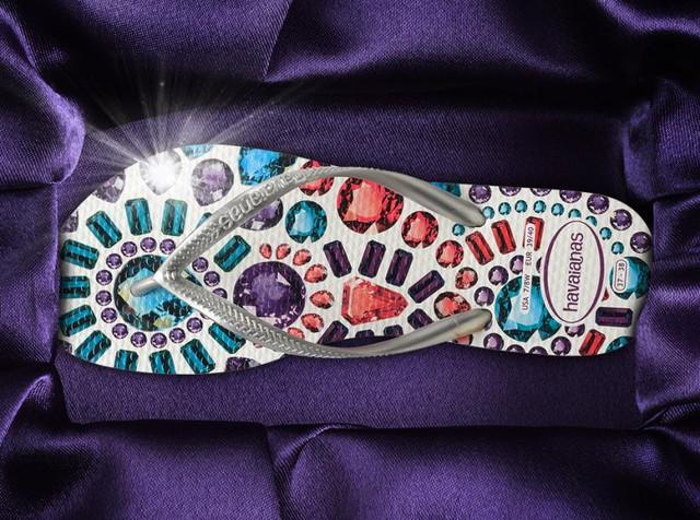 Thời trang dép kẹp các tín đồ thời trang không thể bỏ lỡ - www.TAICHINH2A.COM