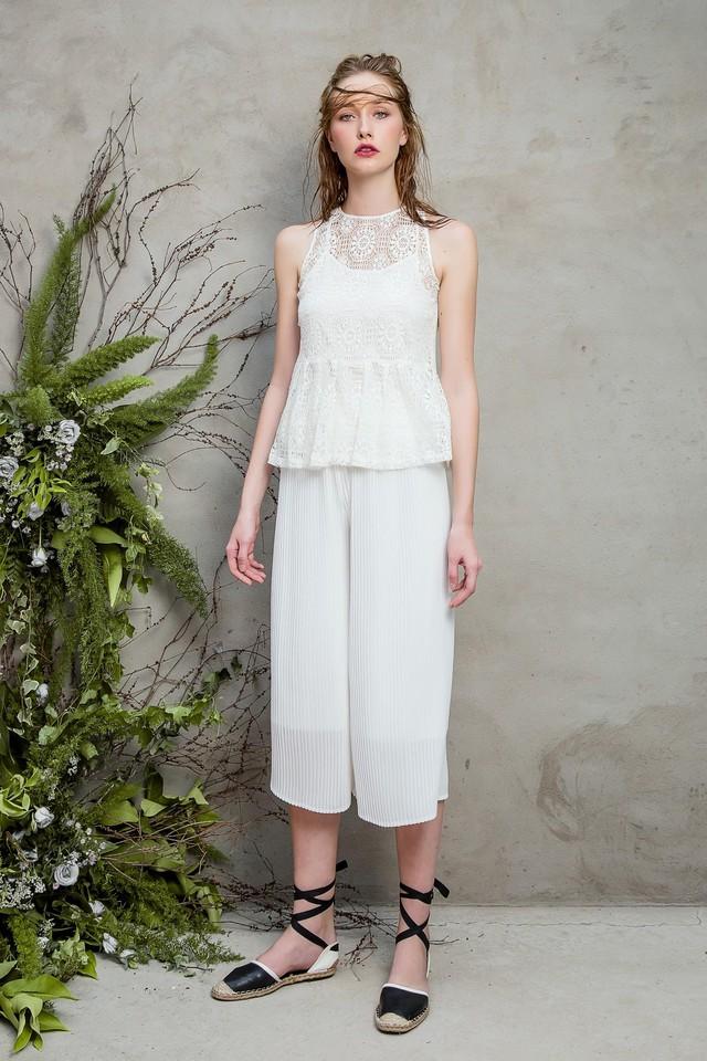 Những chiếc váy ren quyến rũ khó cưỡng lại của hè này - Ảnh 7.