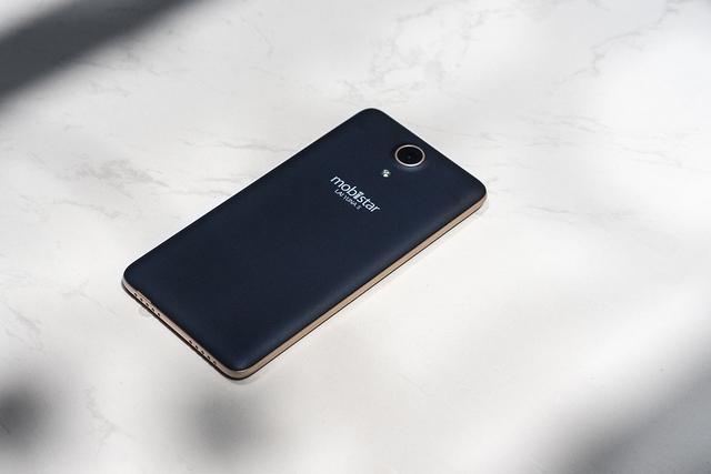 LAI Yuna S: Camera chuyên selfie 8.0 MP trong tầm giá 2 triệu - Ảnh 1.