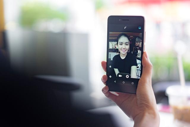Mổ xẻ LAI Yuna S - Smartphone chuyên selfie, thỏa mãn hiệu năng trong tầm giá - Ảnh 1.