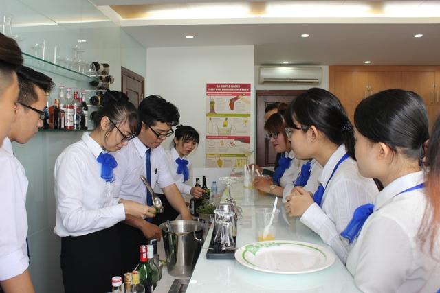 Ngành Quản trị Nhà hàng - Khách sạn: Bí quyết chinh phục nhà tuyển dụng - Ảnh 1.