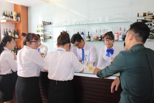 Ngành Quản trị Nhà hàng - Khách sạn: Bí quyết chinh phục nhà tuyển dụng - Ảnh 2.