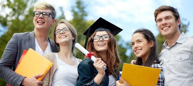 Vươn tới các nền giáo dục hàng đầu Bắc Mỹ bằng học bổng nghìn đô - Ảnh 1.