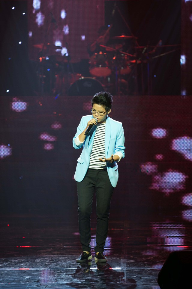 """Vũ Cát Tường & """"Yêu xa"""" tiếp tục """"gây sốt"""" liveshow Bài hát Việt tháng 8"""