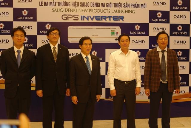 Đại sứ Thái Lan Manopchai Vongphakdi và Phó Chủ tịch UBND thành phố Hà Nội Lê Hồng Sơn tham dự Lễ ra mắt thương hiệu Saijo Denki