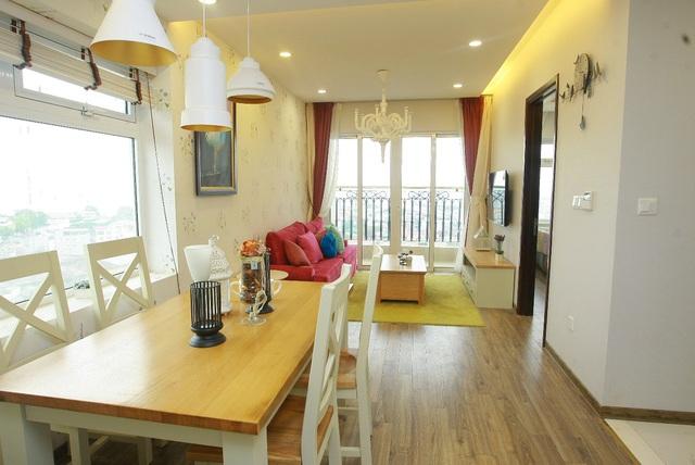 Chỉ có cư dân của mới có thể hãnh diện vì đang sống trong dự án chung cư đầu tiên ở Việt dát vàng cả thành lan can căn hộ, thậm chí những thiết bị vệ sinh của tòa B cũng được mạ vàng.