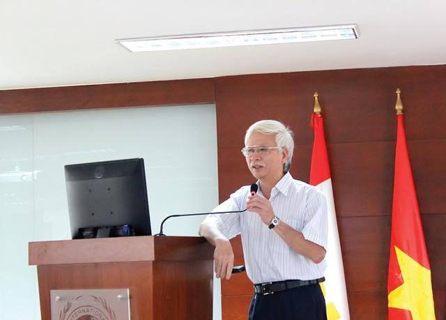 TS. Vũ Tuấn Anh - Nguyên Viện trưởng Viện Kinh tế Việt Nam, Phó Tổng Thư ký Hội Khoa học Kinh tế Việt Nam - một trong những giảng viên giàu kinh nghiệm tham gia giảng dạy MBA tại SIU cùng các giáo sư, phó giáo sư, tiến sĩ, các chuyên gia hàng đầu trong lĩnh vực kinh doanh của Việt Nam và nước ngoài
