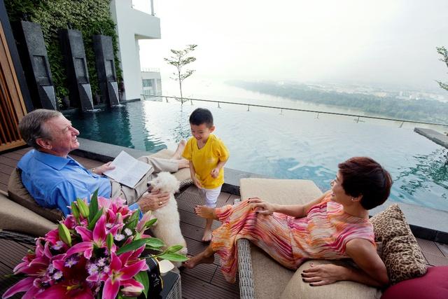Bể bơi riêng tại mỗi căn hộ hill villa và sky villa của Đảo Kim Cương