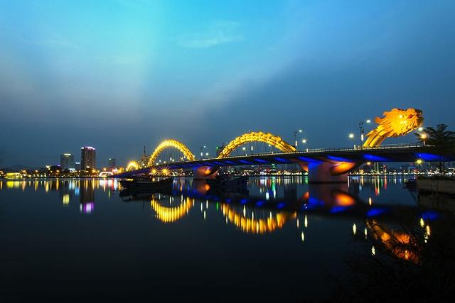 Cầu Rồng khánh thành mang lại nhiều giá trị du lịch và kinh tế cho toàn thành phố