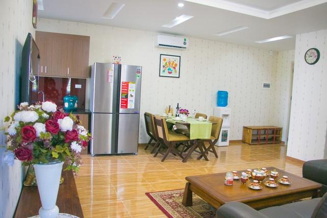 Thực tế căn hộ mẫu 02 Phòng ngủ, Ruby City – Giang Biên – Long Biên – Hà Nội. Logia được bố trí cung cấp gió và ánh sáng tự nhiên cho khu vực bếp & phòng khách sẽ mang lại không khi luôn tươi mới cho căn hộ. Các gia chủ tại Ruby City tìm thấy sự thư thái, nghỉ ngơi tại tổ ấm & nạp đầy năng lượng để sẵn sàng môt ngày mới làm việc hiệu quả.