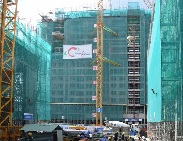 Tháp B đang thi công tầng 16