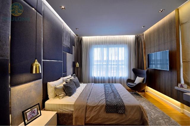 Phòng ngủ Master được thiết kế với những gam màu nhẹ nhàng tạo cảm giác thoải mái giúp gia chủ chìm vào giấc ngủ ngon.