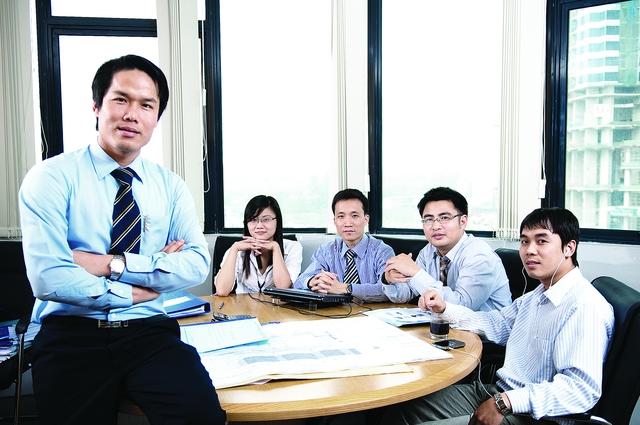 """CEO Group luôn """"Mở rộng cửa, đón nhân tài""""."""
