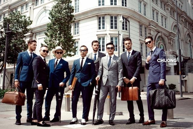 Sự kết tinh xu hướng thời trang truyền thống và hiện đại giúp các quý ông dễ dàng tỏa sáng.