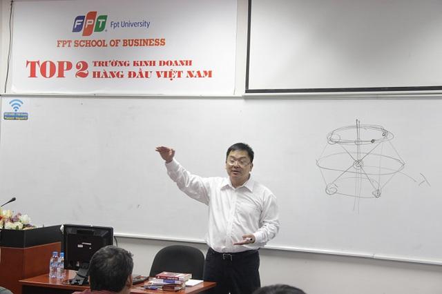Diễn giả Hoàng Nam Tiến luôn được học viên đánh giá cao nhờ những bài học rất thực tiễn và những lời khuyên đáng giá.