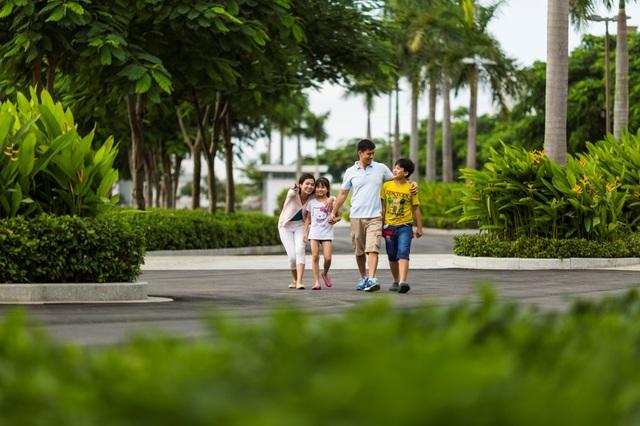 Khuôn viên xanh mát thanh bình tại Lucasta góp phần mang đến chất lượng sống đẳng cấp.