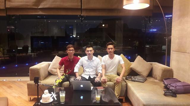 Founder Netstar Group (Ông Quý Trần – giữa).