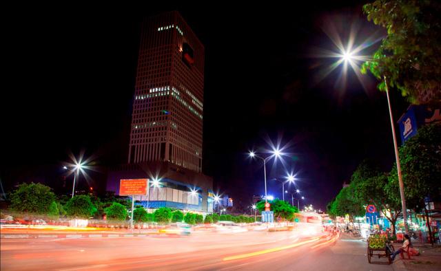 Ứng dụng thí điểm đèn LED trên đường Điện Biên Phủ, TP.HCM.