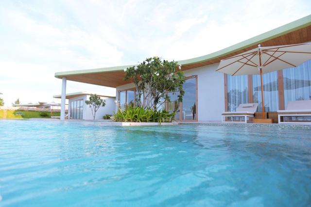 Một góc biệt thự mênh mang biển trời tại FLC Quy Nhơn.