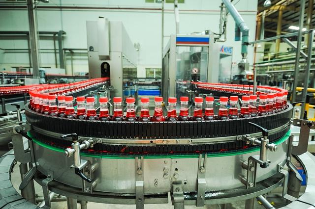 Dây chuyền sản xuất hiện đại bên trong nhà máy SPVB.