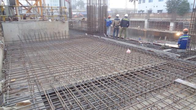 Dự án số 16 Phạm Hùng Sunshine Center đã hoàn thành phần tường vây cọc khoan nhồi và xong sàn tầng hầm B1, chuẩn bị hoàn thành sàn hầm B2.