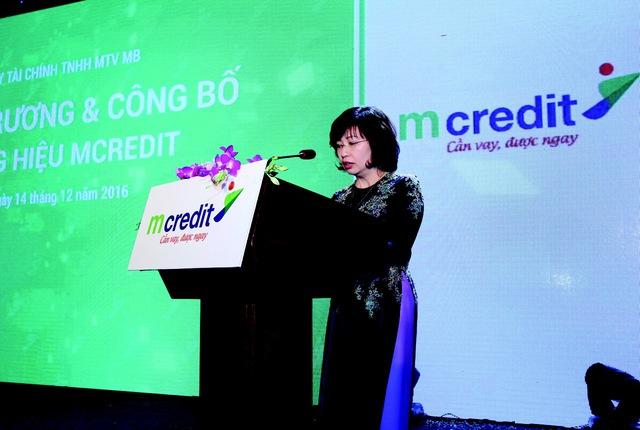 Bà Nguyễn Minh Châu, Phó Tổng giám đốc Ngân hàng TMCP Quân Đội kiêm Phó chủ tịch thường trực HĐTV Mcredit phát biểu.