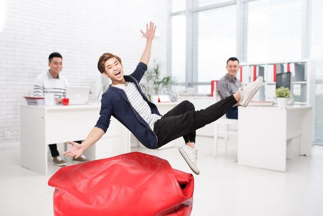 Môi trường làm việc cởi mở cùng nhiều tiện ích hiện đại là điểm nổi bật tại Prudential. Nhằm gia tăng sức gắn kết của nhân viên, khuyến khích cá nhân nhiệt tình trao đổi và mạnh dạn sáng tạo.