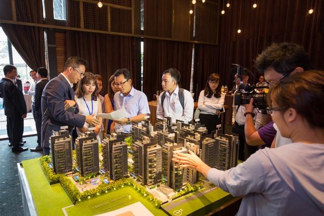 Nhiều nhà đầu tư Việt Nam quan tâm, tìm hiểu bất động sản tại Singapore và Úc trong một sự kiện được tổ chức vào tháng 9/2016 tại Việt Nam.