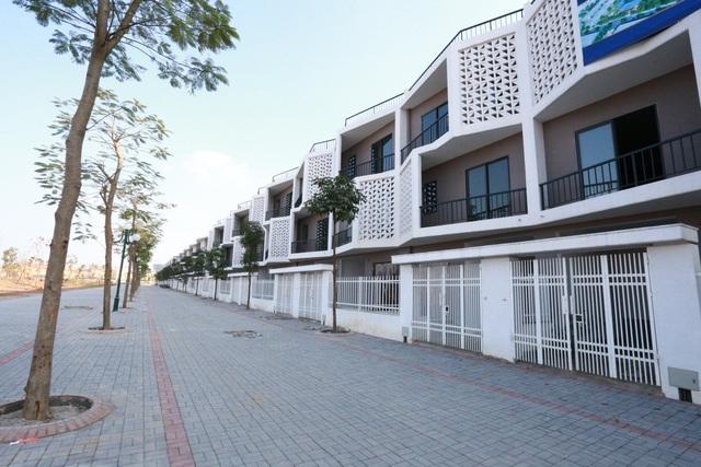 Nhà liền kề có diện tích sử dụng lớn, mặt tiền có chiều dài tới 6m.