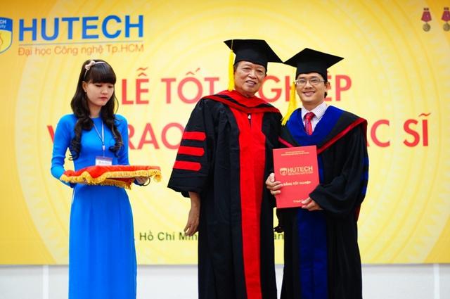 Hơn 1.000 học viên đã được HUTECH đào tạo và cấp bằng.