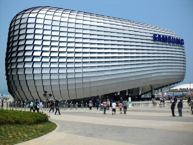 Samsung luôn nằm chiếu trên trong các cuộc đua về công nghệ , xây dựng vững chắc vị thế của mình.