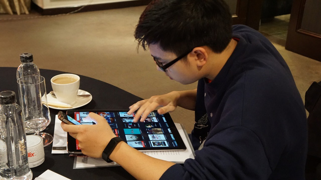 Người dùng có thể trải nghiệm dịch vụ trên các thiết bị điện thoại, máy tính bảng, laptop, máy tính để bàn, TV và các thiết bị có kết nối Internet khác.