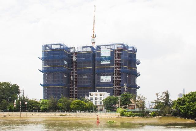 Dự án Riva Park đã hoàn thành phần thô, dự kiến bàn giao quý 2/2017.