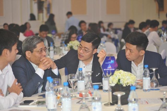 Đông đảo khách hàng tới tìm hiểu căn hộ khu Sapphire (dự án Goldmark City) tại sự kiện Ra mắt Tiêu chuẩn 5S của TNR Holdings Việt Nam.