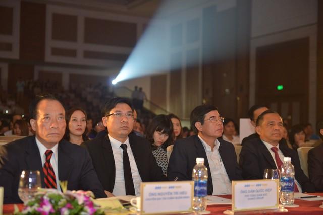 Ông Đàm Quốc Hiệp (thứ hai từ trái qua), Phó Tổng Giám đốc Danko Group – Đơn vị hợp tác chiến lược của Tập đoàn FLC tại dự án FLC Sầm Sơn.
