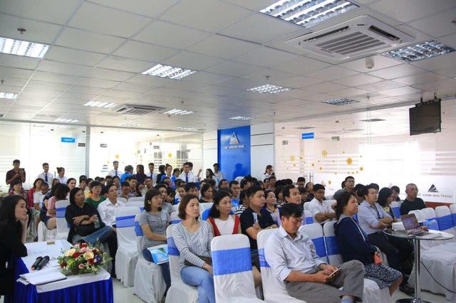 KĐT Du lịch Hoàng Long Nha Trang do Đất Xanh Nha Trang phân phối đã thu hút sự quan tâm của đông đảo khách hàng trong ngày đầu ra mắt.