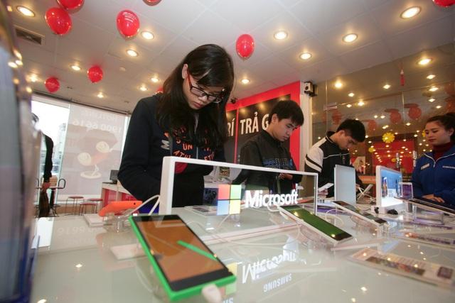 Microsoft Lumia 430 được người dùng điện thoại phổ thông đón nhận